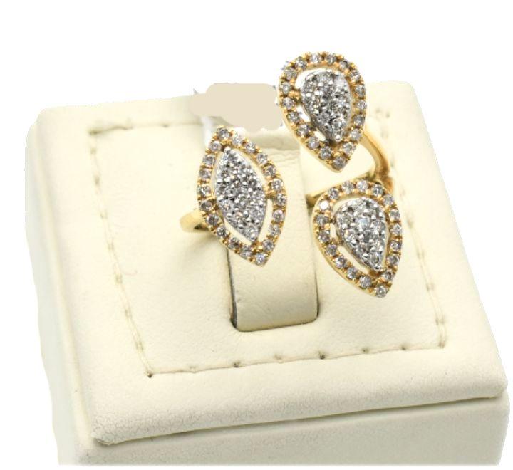 خاتم الماس على شكل دوائر باللون الذهبي والفضي