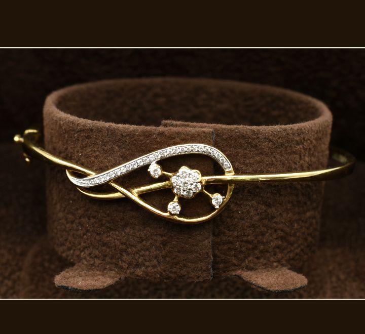 اسوارة الماس فاخرة اللونين الفضي والذهبي