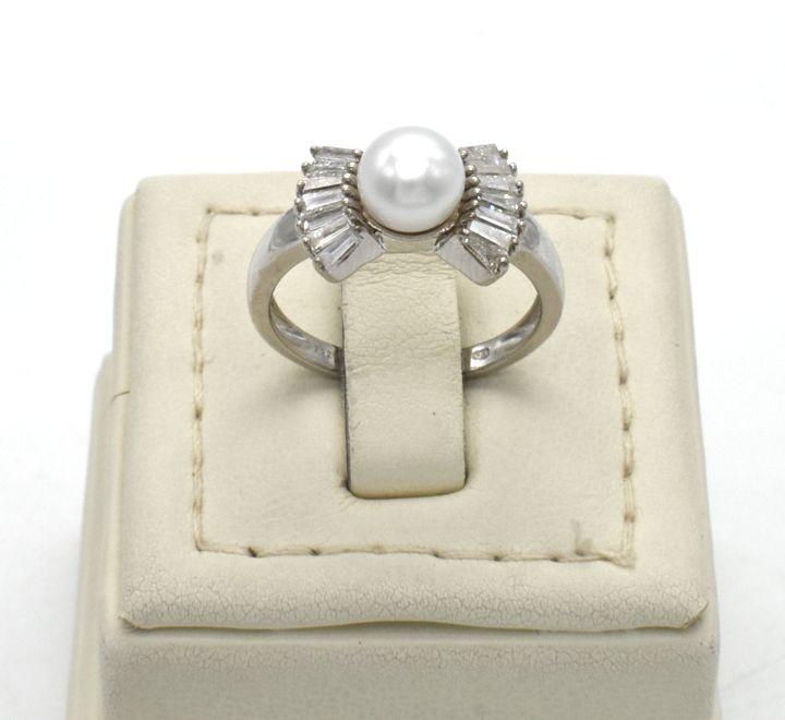 خاتم الماس مع لؤلؤ لون فضي