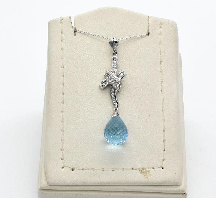 عقد الماس بحجر ازرق