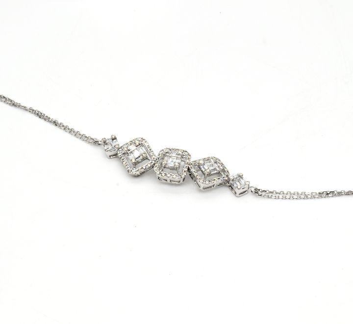 اسوارة الماس على شكل معينات