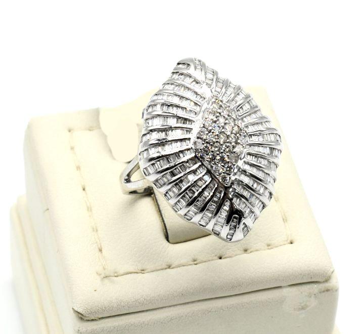 خاتم الماس كبير